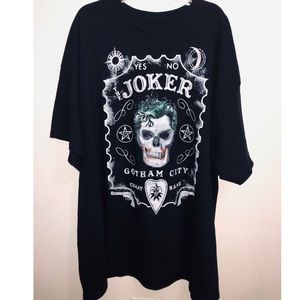 Joker oversized black tee